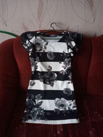 Платье трикотаж. Размер М/L