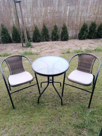Komplet wypoczynkowy do ogrodu stolik i dwa krzesełka z poduszkami