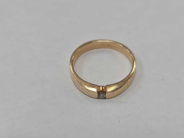 Klasyczny złoty pierścionek damski/ 585/ 3.52 gram/ R17/ DIA 0.07 CT