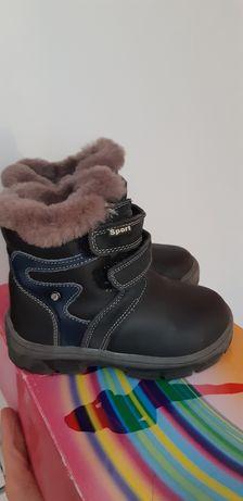 Продам зимові черевики на хлопчика, натульна шкіра, цегейка, розмір 26