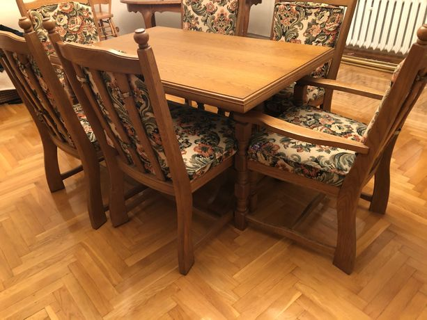 Drewniany stół ł z krzesłami vintage