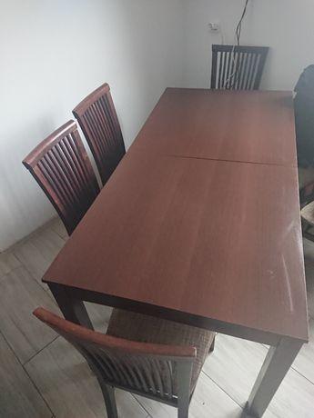 Stół i 6 krzeseł .