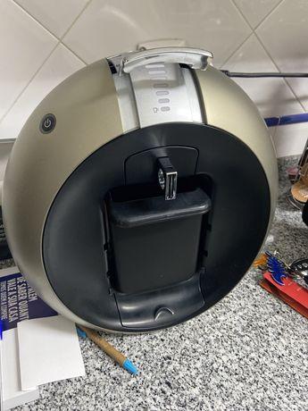 Maquina de Café Dolce Gusto c/ Suporte de capsulas.