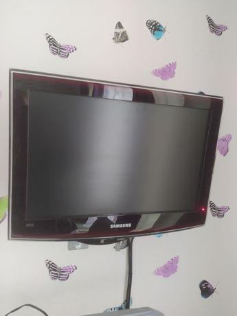 Телевизор, Samsung диагональ 19