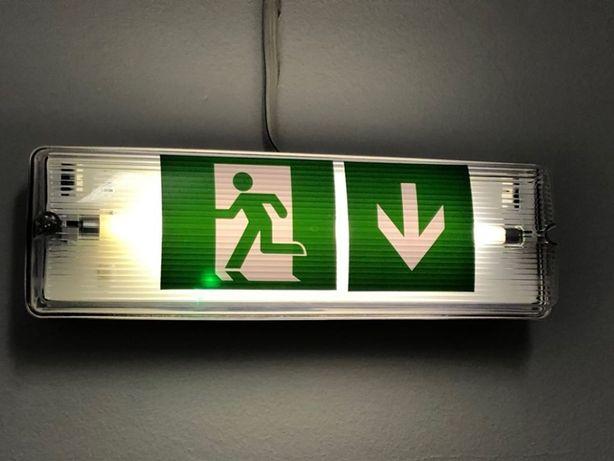 awaryjne oświetlenie ewakuacyjne