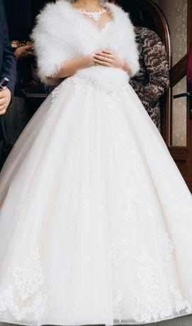 Плаття весільне з колекції 2021
