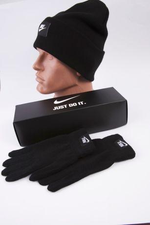 комплект шапка перчатки Nike зима на флисе