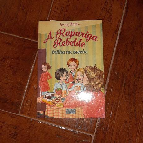 Livro A Rapariga Rebelde Brilha na escola