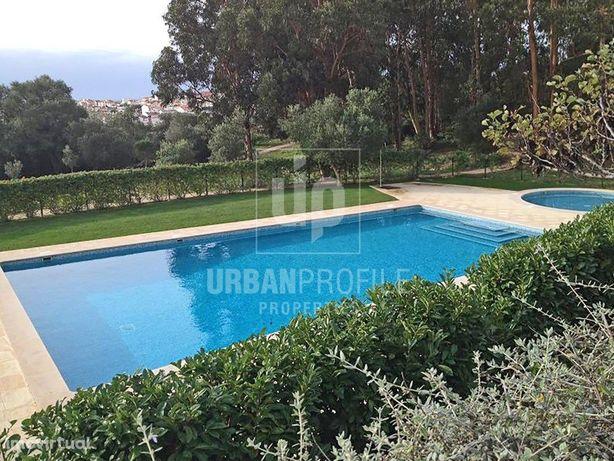 Moradia T6, em condomínio com jardim e 2 piscinas, para a...