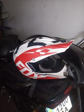 Мото шлем в хорошем состоянии