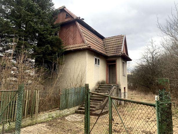 Дачний будинок в Івано Франківську із земельною ділянкою