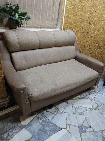 Продам хороший диван, не раскладной