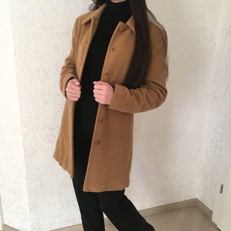 піджак блейзер пальто плащ кемл коричневий е 38 р шерсть яне Zara