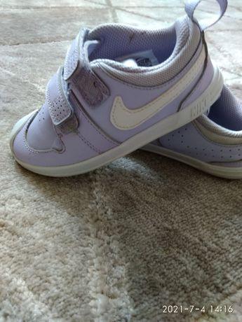 Кросівки, стан ідеальний
