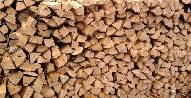 Продаются дрова и брикеты.