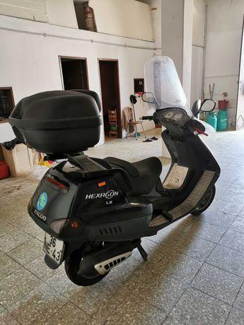 Piaggio 125cc Scotter