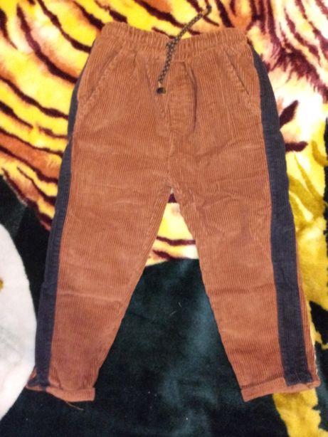 Вельветовые штаны для мальчика Reserved размер 104
