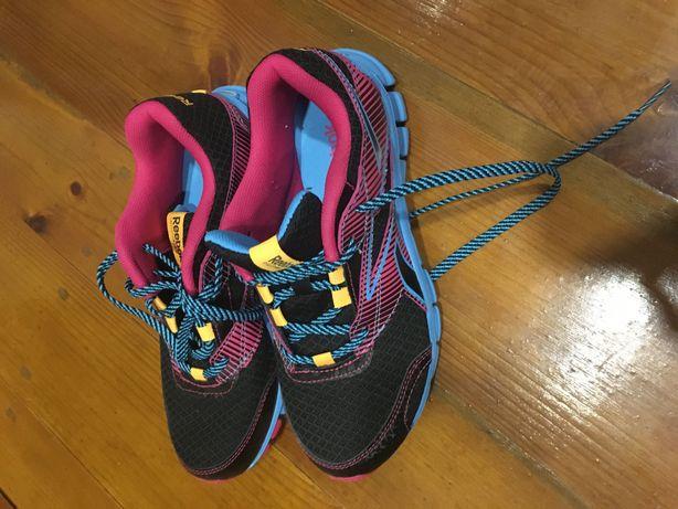 Фірменні, орігінальні кросовки