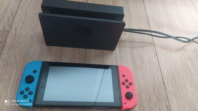 Konsola NINTENDO Switch HAC-001(-01) + Kontroler Switch Czerwono-niebi