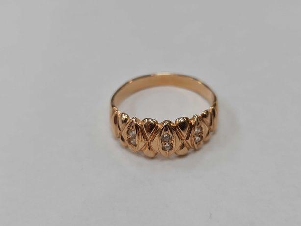 Klasyczny złoty pierścionek damski/ 585/ 3.93 gram/ R25/ Cyrkonie