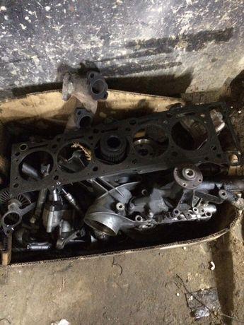 Mersedes 616 Om 612 разбор двигатель форсунки поддон распредвалы