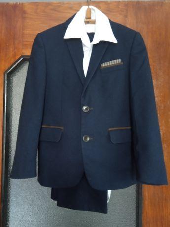 Школьная форма для мальчика 2-3 класса + белая рубашка