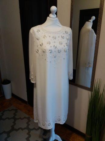 Sukienka w kolorze śmietanowym m-ki Savoir, r. 46