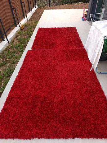 Tapetes grandes vermelhos