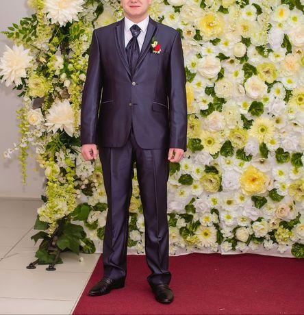Свадебний костюм