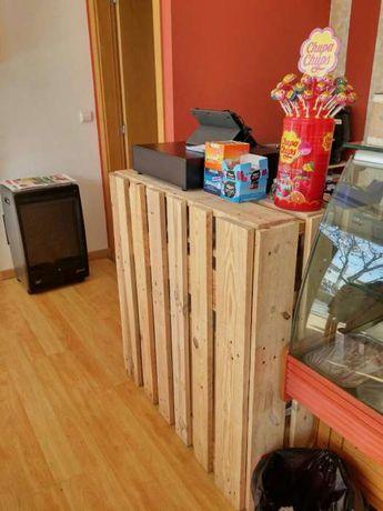 Balcão de loja em paletes de madeira Pal Deco