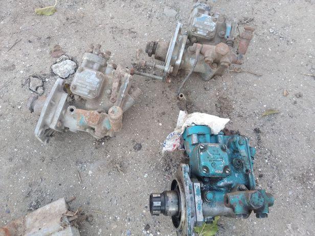 Топливний насос трактора т-25