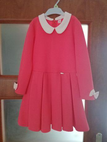 Sprzedam sukienkę rozmiar 134