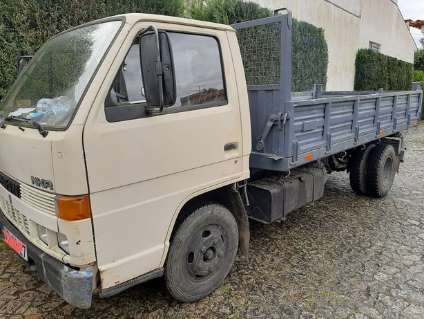 Alugo carrinha tribasculante com condutor