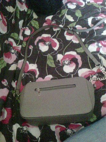 Bolsa castanha com cinta ajustavél