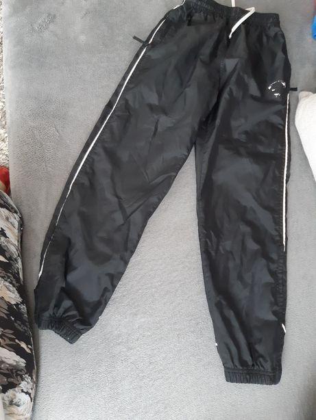 Spodnie nike 140