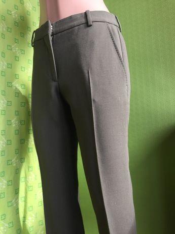 Элегантные зеленые женские брюки Alexander Mcqueen Италия оригинал
