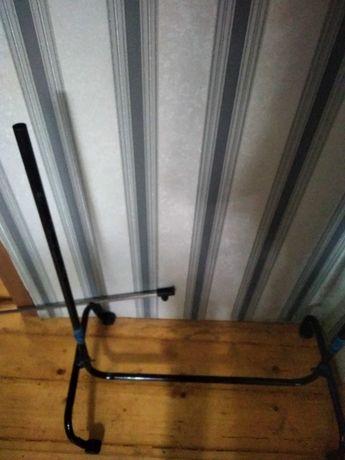 Телескопическая вешалка стойка для одежды с дефектом