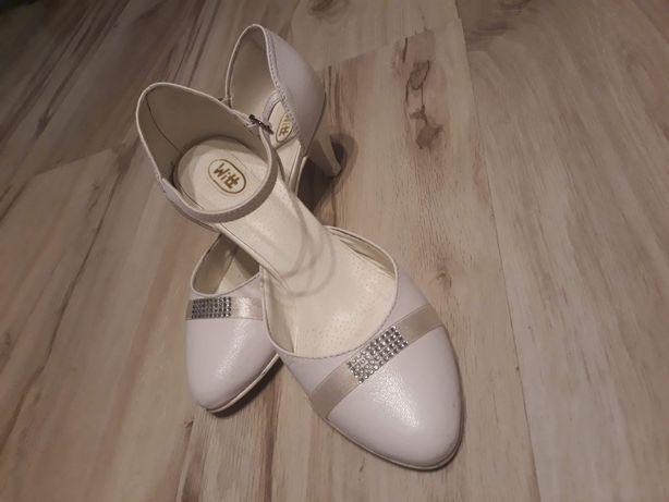 Buty białe ślubne