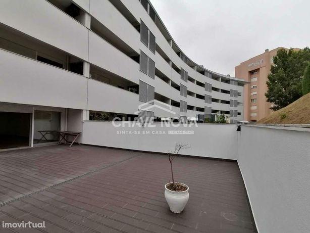 Apartamento T2 com terraço 65 m2, lg. garagem. Gondomar