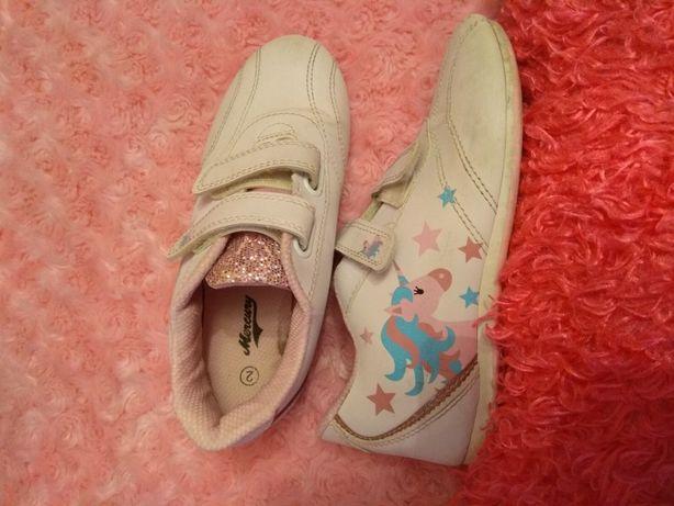 Кроссовки на девочку 2 размер 21,5 см кожа
