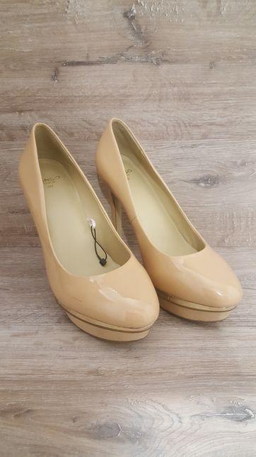 Bezowe/ nude szpilki / buty na obcasie MANGO roz 38 / na wesele
