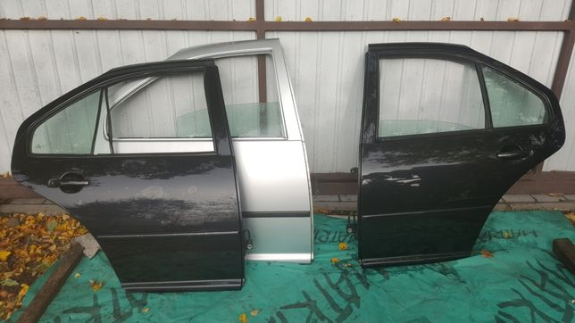 VW BORA drzwi lewe prawe tylne LA7W LC9Z