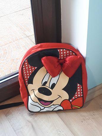 czerwony plecaczek