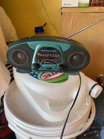 Продам радиоприёмник FIRST