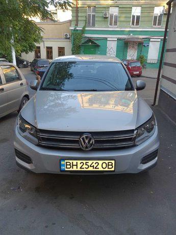 Продам автомобиль  Volkswagen Tiguan 2,0 л бенз