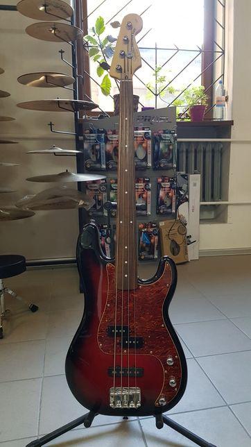 Squier Precission Bass przerobiony na bezprogową, fretless