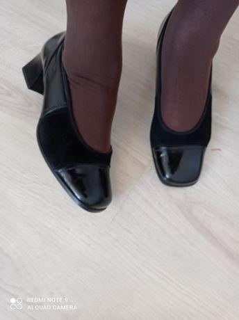 Туфли из натуральной кожи,б/у,размер и полноту смотрите на фото.