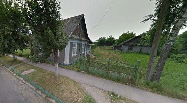 Продається господарство в смт. Кельменці (вул. Хотинська, 11)