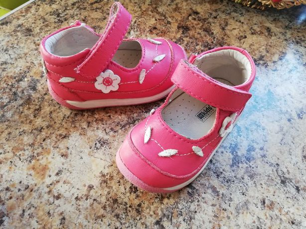 Продам ортопедическую обувь для девочки 12-12,5