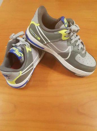 Nike Air Force 1 React 37.5 Mulher